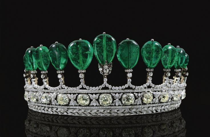 emerald-diamond-tiara