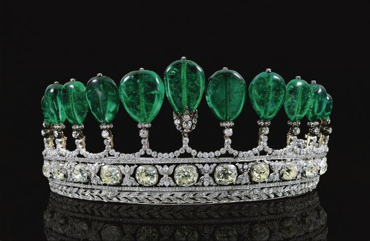 emerald-diamond-tiara